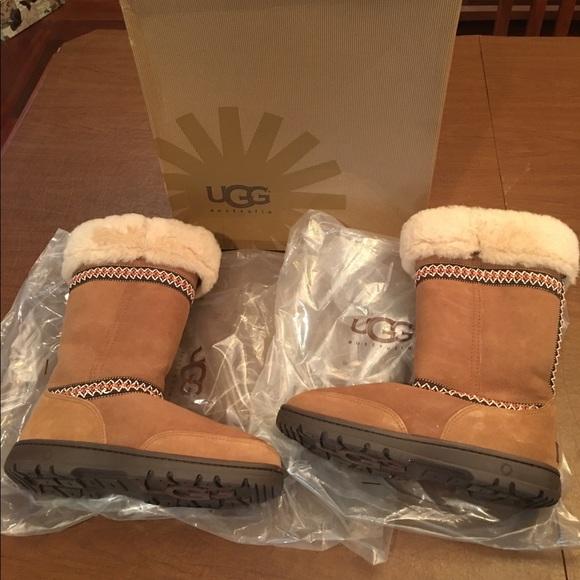 ff715383562 Ugg Australia original tall Sundance braid boots NWT